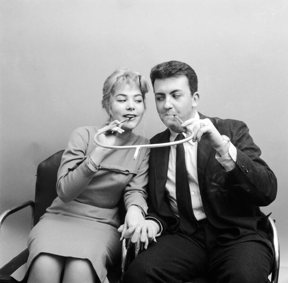 Innovation「Cigarette Couple」:写真・画像(19)[壁紙.com]