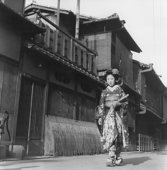 舞妓「Walking Maiko」:写真・画像(6)[壁紙.com]