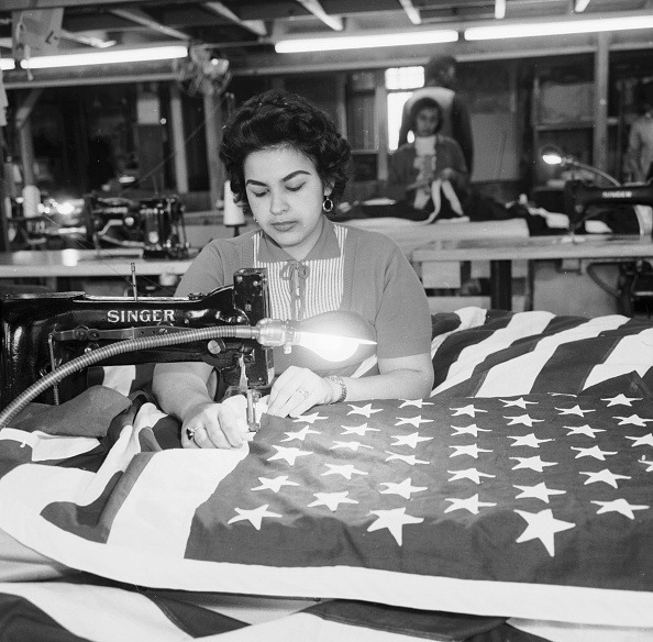 Industrial Laborer「Sewing Stars」:写真・画像(17)[壁紙.com]