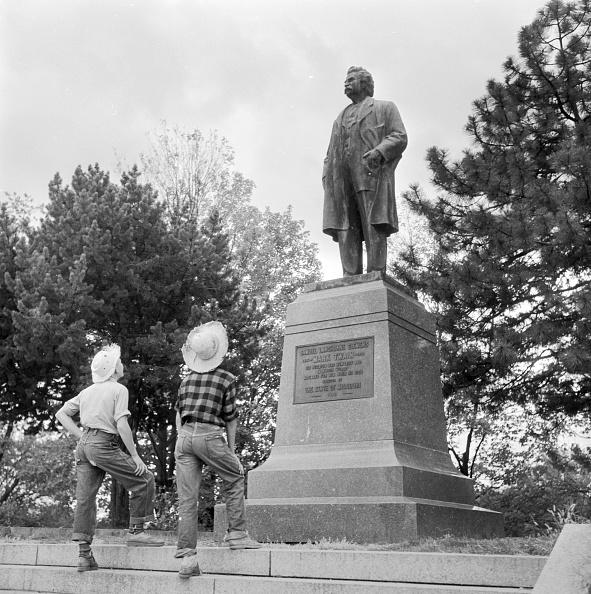 Missouri「Mark Twain Statue」:写真・画像(12)[壁紙.com]