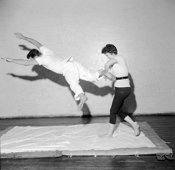 Self-Defense「Self Defence」:写真・画像(1)[壁紙.com]