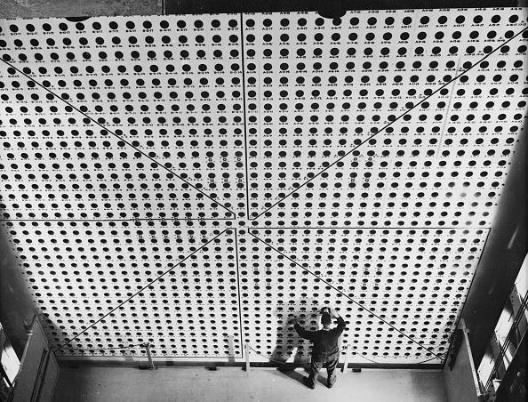 Particle「Wall Of Holes」:写真・画像(19)[壁紙.com]
