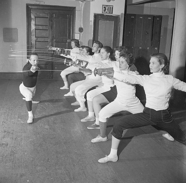 スポーツ用品「Fencing Lesson」:写真・画像(3)[壁紙.com]