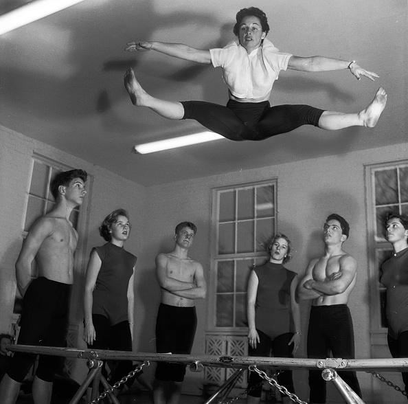 Jumping「Trampolining」:写真・画像(15)[壁紙.com]