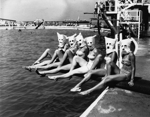 Competition「Masked Bathers」:写真・画像(14)[壁紙.com]