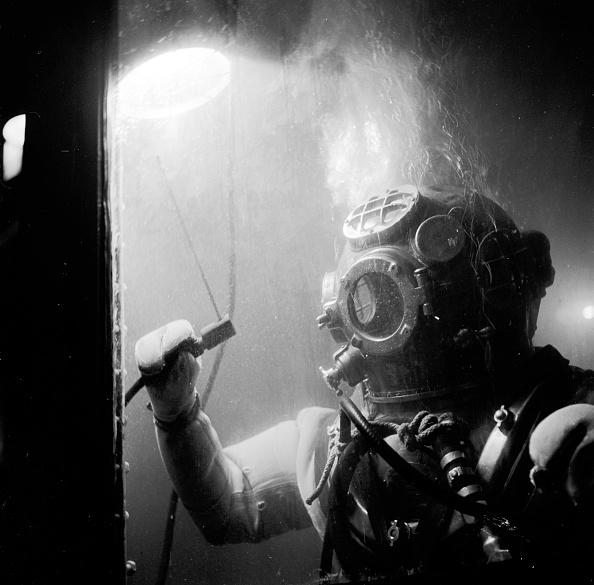 Underwater「Navy Diver Underwater」:写真・画像(15)[壁紙.com]