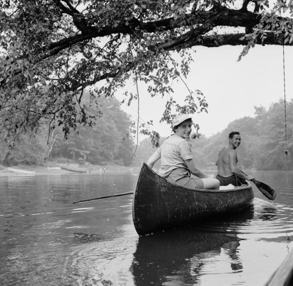 Tranquil Scene「Young Canoeists」:写真・画像(12)[壁紙.com]