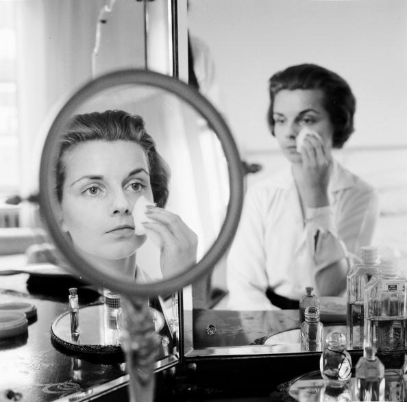 China: Through The Looking Glass「Removing Make Up」:写真・画像(3)[壁紙.com]