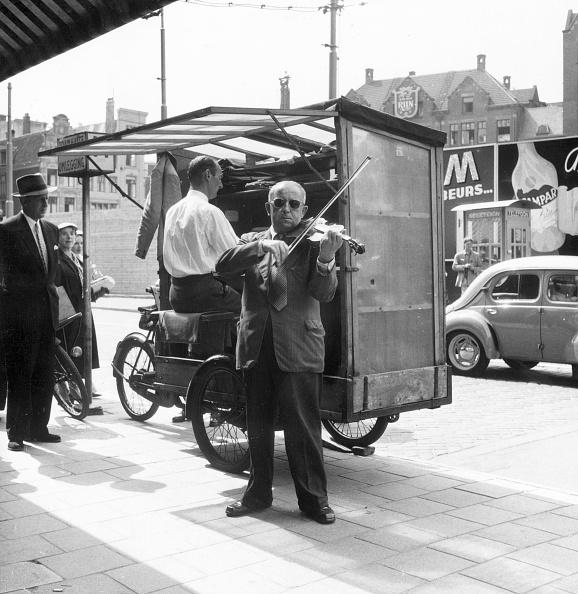 Violin「Musicians In Street」:写真・画像(3)[壁紙.com]