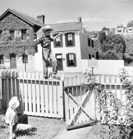 Childhood「Famous Fence」:写真・画像(8)[壁紙.com]