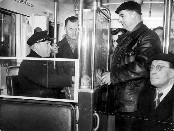 Trolley Bus「Cashier Conductor」:写真・画像(15)[壁紙.com]