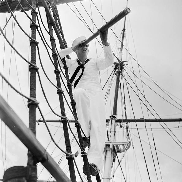 Sailor「Naval Lookout」:写真・画像(1)[壁紙.com]