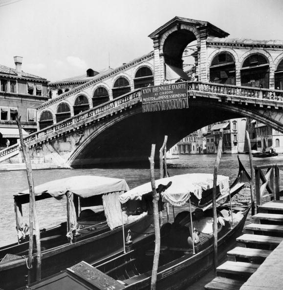 Passenger Craft「Rialto Bridge」:写真・画像(2)[壁紙.com]
