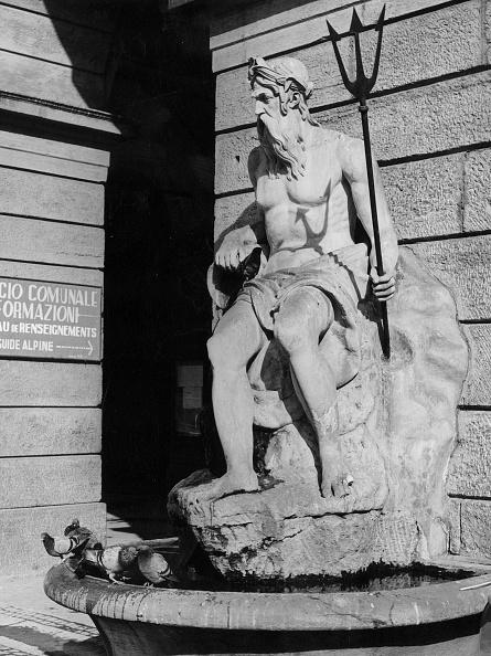 God「Neptune Statue」:写真・画像(8)[壁紙.com]