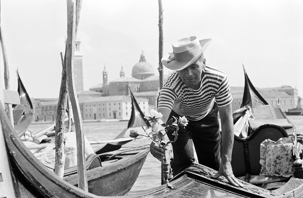 Gondolier「Gondola Decoration」:写真・画像(3)[壁紙.com]