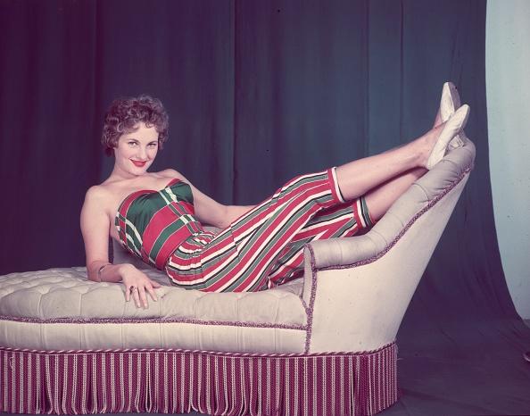 Sofa「Stripy Legs」:写真・画像(7)[壁紙.com]