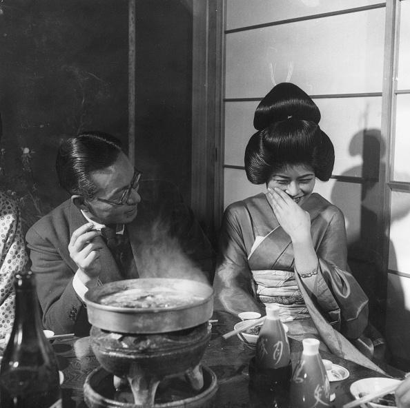 芸者「Geisha Giggle」:写真・画像(7)[壁紙.com]