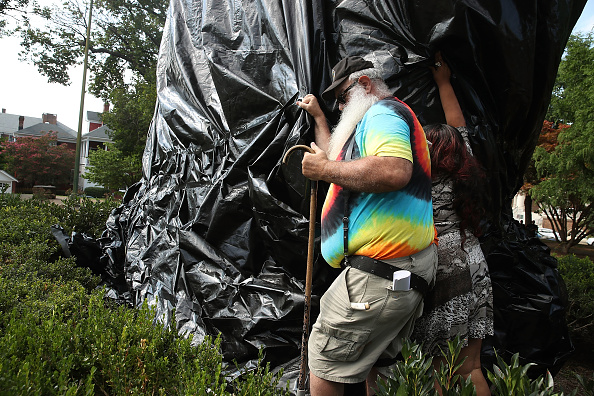 シャーロッツビル エマンシペーション公園「Charlottesville City Council Votes To Cover Statues Of Robert E. Lee And Stonewall Jackson」:写真・画像(16)[壁紙.com]