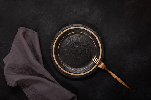 Black Color「Dark dishes on black background」:スマホ壁紙(18)