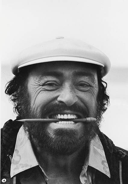 Portrait Of Pavarotti:ニュース(壁紙.com)