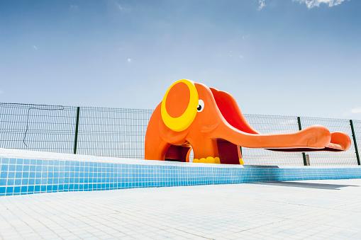 Atlantic Islands「Abandoned pool with slide」:スマホ壁紙(2)