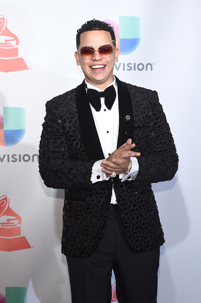 MGM Grand Garden Arena「The 18th Annual Latin Grammy Awards - Press Room」:写真・画像(6)[壁紙.com]