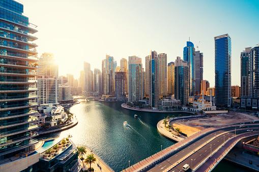 Travel「Dubai Marina Skyline and Modern Skyscrapers at Dawn」:スマホ壁紙(15)