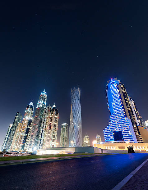 Dubai Marina skyline at a starry night:スマホ壁紙(壁紙.com)