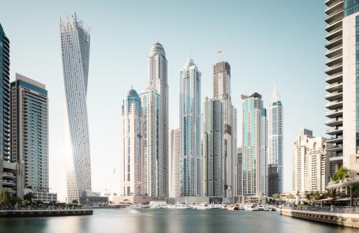 Clear Sky「Dubai marina futuristic buildings」:スマホ壁紙(7)