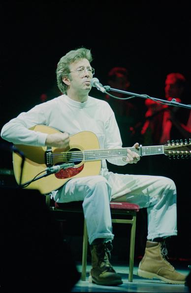 爪弾く「Eric Clapton Live At Royal Albert Hall」:写真・画像(12)[壁紙.com]