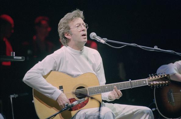 爪弾く「Eric Clapton Live At Royal Albert Hall」:写真・画像(14)[壁紙.com]