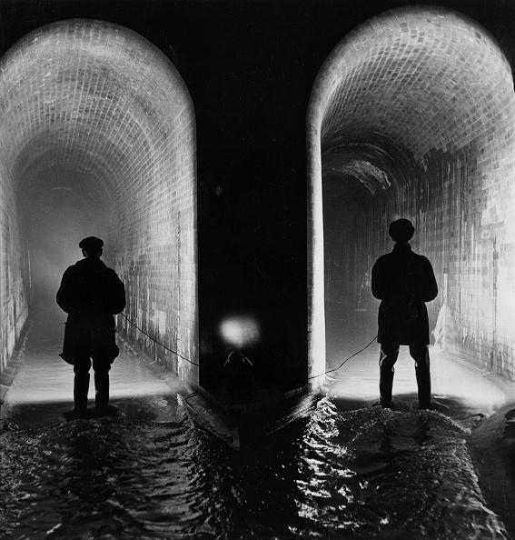 Symmetry「Sewer Examination」:写真・画像(13)[壁紙.com]