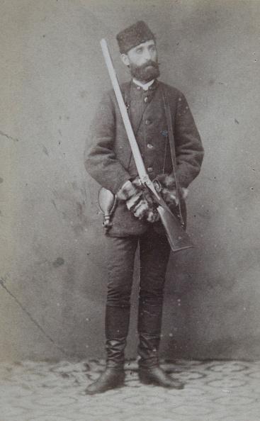 1870-1879「Hunter Serie From The Lower Austrian Herrschaft Starhemberg Round Ybbs: Man With Cap, Slung Powder Horn And Shotgun. About 1870. Photograph By Franz Pfleger & Sohn, Krems」:写真・画像(17)[壁紙.com]