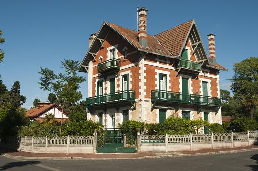 Nouvelle-Aquitaine「Ville d'Hiver villa」:スマホ壁紙(1)