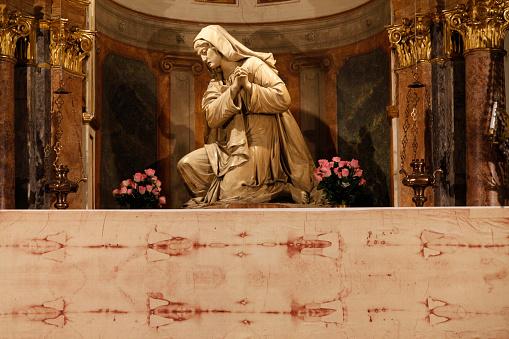 Piedmont - Italy「Copy of the Shroud of Turin in San Lorenzo church」:スマホ壁紙(10)