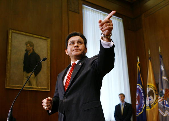 Former「Attorney General Alberto Gonzales Press Conference On Justice Department」:写真・画像(10)[壁紙.com]