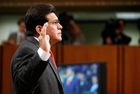 Joshua Roberts「Alberto Gonzales Testifies Before Senate Judiciary Committee」:写真・画像(18)[壁紙.com]
