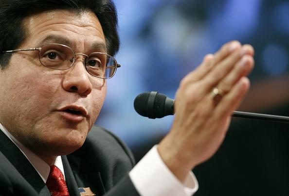 Joshua Roberts「Alberto Gonzales Testifies Before Senate Judiciary Committee」:写真・画像(10)[壁紙.com]