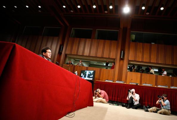 Joshua Roberts「Alberto Gonzales Testifies Before Senate Judiciary Committee」:写真・画像(14)[壁紙.com]