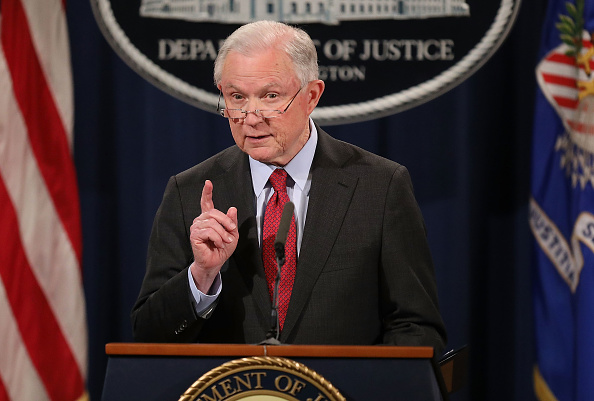 Press Room「Attorney General Jeff Sessions Holds News Conference Discussing Efforts To Reduce Violent Crime」:写真・画像(13)[壁紙.com]