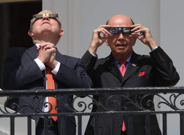 President Trump Views The Eclipse From The White House:ニュース(壁紙.com)