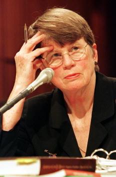 Janet Reno「Attorney General Janet Reno...」:写真・画像(9)[壁紙.com]