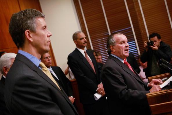 Conference Phone「Holder And Duncan Address Youth Violence In Chicago」:写真・画像(10)[壁紙.com]