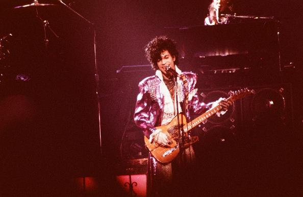 コンサート「Prince Playing The Guitar」:写真・画像(18)[壁紙.com]