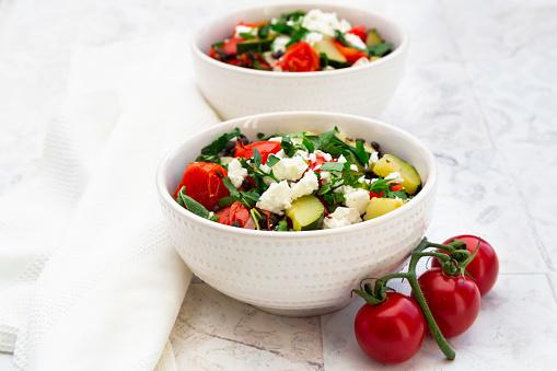 Mint Leaf - Culinary「Bowls of salad with beluga lentils, tomatoes, paprika, zucchini, feta cheese, mint and parsley」:スマホ壁紙(11)