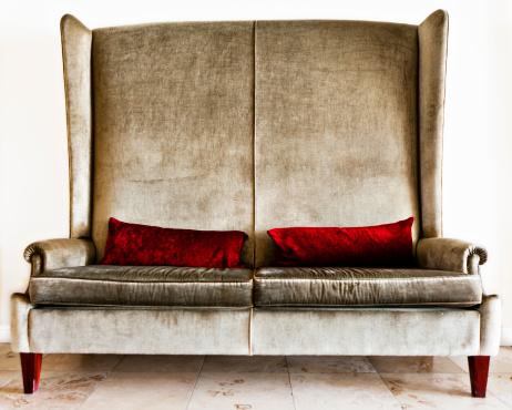 Loveseat「Designer couch in silver velvet with crimson pillows」:スマホ壁紙(12)
