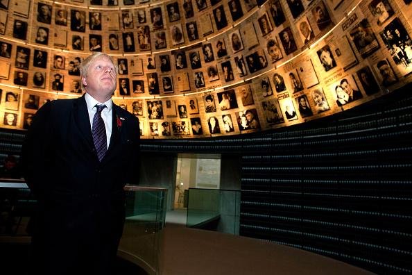 Three Quarter Length「Mayor Of London Boris Johnson Visits Israel」:写真・画像(15)[壁紙.com]