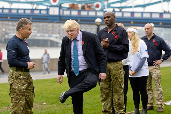 Ben Pruchnie「Boris Johnson Launches Poppy Day With An Armed Forces Tug Of War」:写真・画像(0)[壁紙.com]