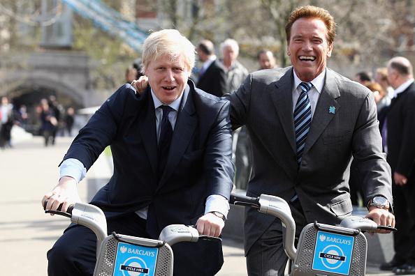 Town Hall「The Mayor Of London Boris Johnson And Governor Arnold Schwarzenegger Promote London's Cycle Hire Scheme」:写真・画像(5)[壁紙.com]