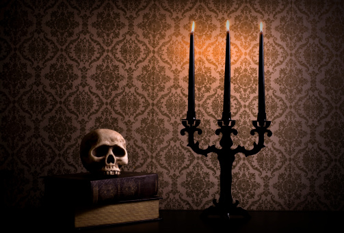 Shadow「Candelabra with Spooky Halloween Skull, Candlelight, Copy Space」:スマホ壁紙(11)